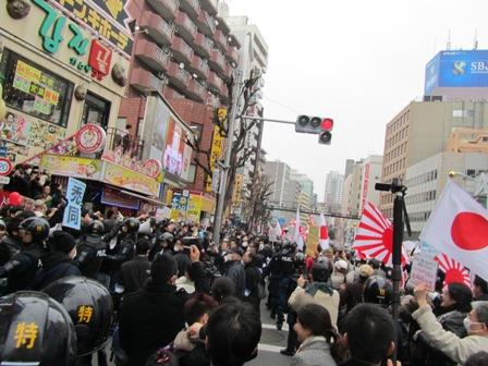 blog0216ドンキ前ロング.JPG